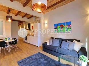 Charming flat for sale ready to live in el Poble Sec of Barcelona