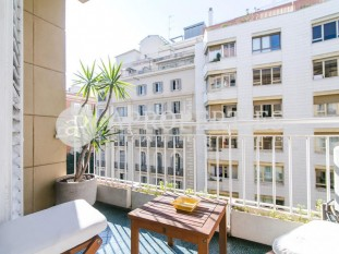 Apartment with parking for sale in Galvany, Barcelona