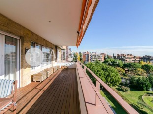 Great stately home for sale in the best area of ​​Pedralbes, Barcelona