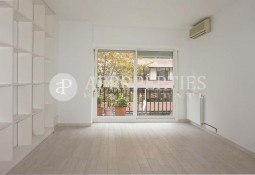Beautiful apartment next to Hospital Clínic in Barcelona