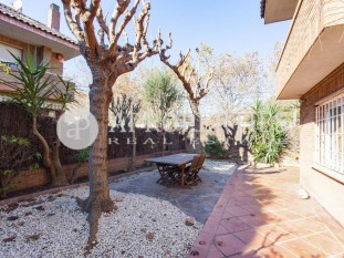 Beautiful townhouse near the center of Sant Cugat