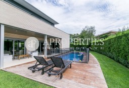 Modern house for sale in Can Trabal
