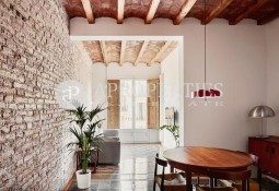 Spectacular refurbished apartment in Eixample of Barcelona