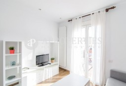 Luminous furnished penthouse for rent near Plaza Catalunya, Barcelona