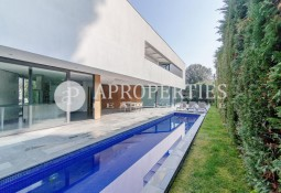 Exclusive luxury house for sale in the center of Sant Cugat