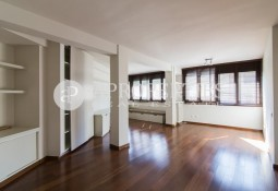 Bright apartment for sale in Carrer Copernic, Barcelona