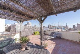 Bright apartment with private terrace in Gòtic, Barcelona