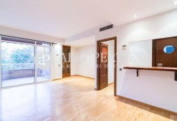 Apartment located next to L'Illa Diagonal, Barcelona