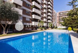 Apartment with swimming pool in Les Corts, Barcelona