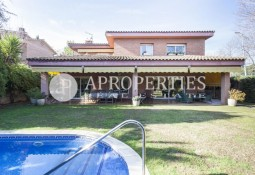 Beautiful detached house in Arxiu area, Sant Cugat del Vallés