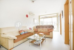 Fantastic apartment with terrace and views for sale in the Eixample Esquerra