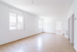 Family apartment for rent close to Mandri Street, Barcelona
