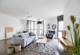 Beautiful refurbished apartment for sale in La Barceloneta