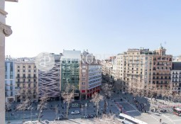 Exclusive penthouse in Passeig de Gracia for rent in Barcelona