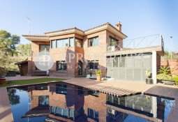 New semi-new house for rent in Sant Cugat del Valles