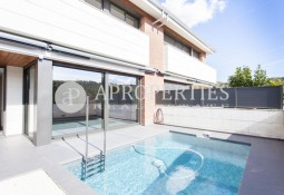Spectacular house at three winds in Golf of Sant Cugat