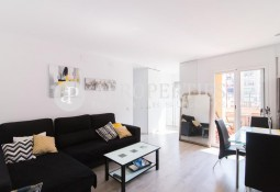 Charming apartment for rent in the heart of the Eixample, between Paseo de Gracia and Sagrada Familia