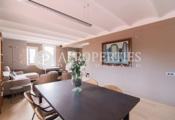 Spectacular furnished penthouse with terrace in Paseo de Gracia