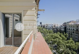 Penthouse for sale in Avenida Diagonal near Francesc Macià, Barcelona