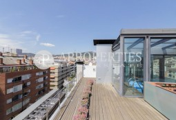 Stunning penthouse with terrace and views for sale in Barcelona