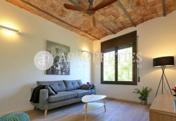 Beautiful refurbished apartment for sale in the beautiful Paseo Sant Juan, Barcelona