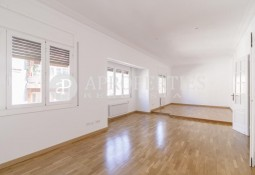 Spacious apartment for rent near Plaza Bonanova, Barcelona