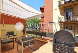 Refurbished townhouse in Poble-Sec
