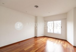 Nice flat for sale in Galvany district in Barcelona