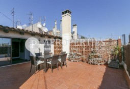 Penthouse with terrace for sale in Eixample, Barcelona