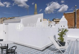 Classic renovated and fully equipped apartment in Galvany, Barcelona