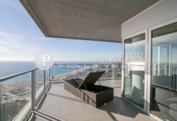 Spectacular apartment with sea views in Illa de la Llum