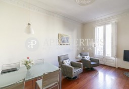 Cozy furnished apartment next to Paseo de Gracia