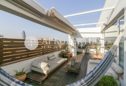 Excellent penthouse with views in Poblenou