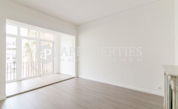 Magnificent and renovated flat for rent in Pau Claris Street