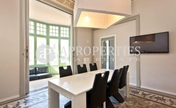 Petit Versailles in royal building located in Paseo de Gracia for rent