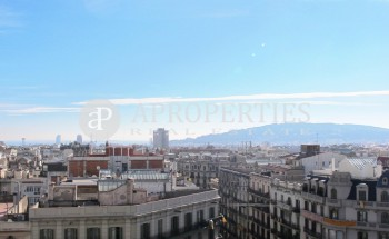 Penthouse with two terraces and spectacular views for rent in Diagonal, Barcelona