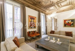 Exclusive luxury apartment for rent in El Gòtic