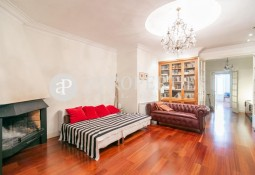 Cozy apartment with large patio in Sarrià