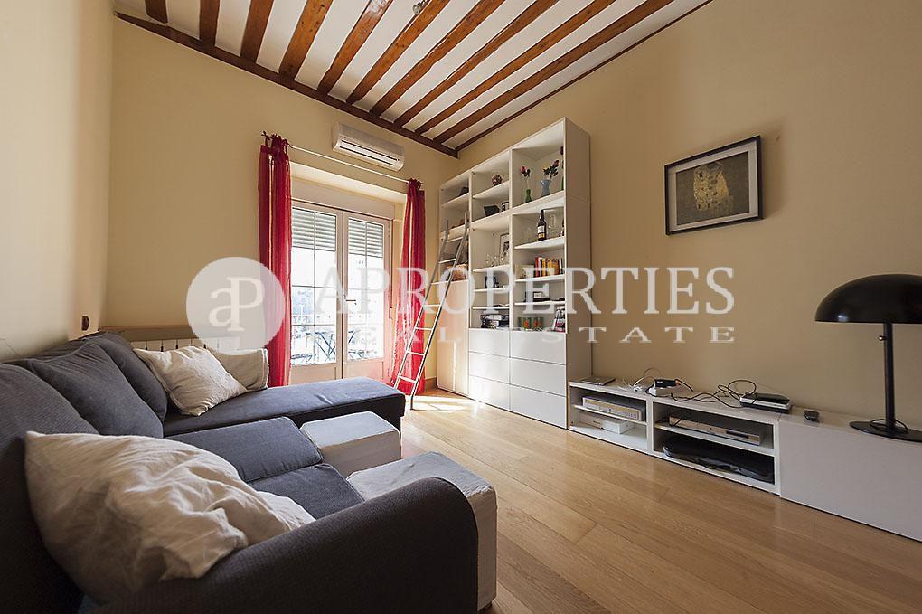 Singular piso en malasa a en alquiler for Alquiler pisos malasana madrid