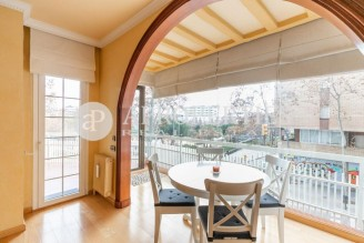 Bright semi-furnished apartment near the Hospital de Sant Pau