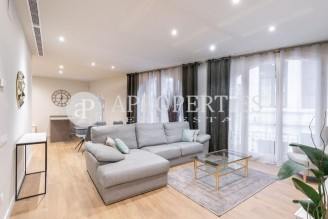Fabulous renovated classic flat in Sant Pere-Santa Caterina and La Ribera